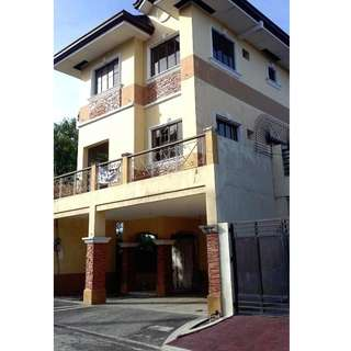 FOR SALE BANK FORECLOSED HOUSE IN BONIFACIO VILL TSORA QUEZON CITY