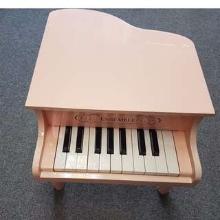 Sweet Pink Baby /children grand piano at $80 (18 keys)
