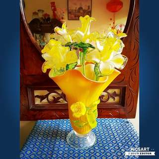 "Vintage Bright Yellow Hand-Blown Glass Flowers (5pcs)  + Wavy Glass Flower Vase with a Protruding Flower in the middle. They are Large, vase is 10"" dia, 9""height and flowers is 13-15"" height. All 6 items for $128 offer. Good Condition. Sms 96337309."