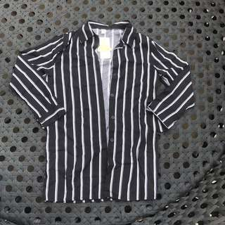 直線條襯衫