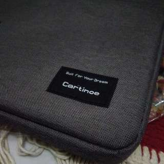 "Softcase laptop/notebook 12"" merk Cartinoe"