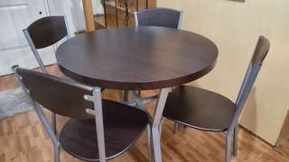 Dinig table with Chairs