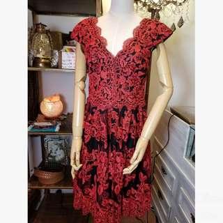 (20%Off) Vera Wang Lace Dress