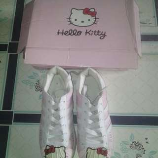 hello kitty shoes size 33