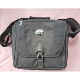 WowWow!!! Brand New Canon camera bag n 2 covers at $50
