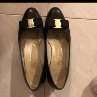 Salvatore ferragamo black shoe 100%real
