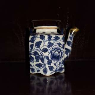 China blue small teapot