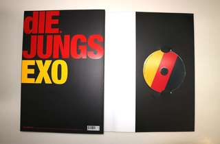 EXO Die Jungs photobook (with disc inside)(EXO-M) / EXO Die Jungs 寫真書 (包括光碟)