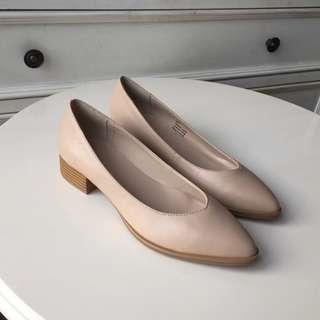 BALLET IN THE WAR 來自美國的小眾手工單鞋。