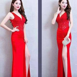 Elegant Red Long Gown 💃💋FOR RENT ONLY! Php1,500 for 2days plus deposit of 1,500.