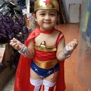 Kostum Wonderwomen