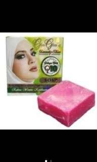 Glow Glowing Whitening Soap