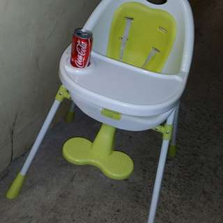 Sweden made BB dining high chair, having seat belts, 36 inch high, good condition, trade in Tuen.Mun, SBA Baby, 瑞典製造,BB餐高椅, 屯門交收