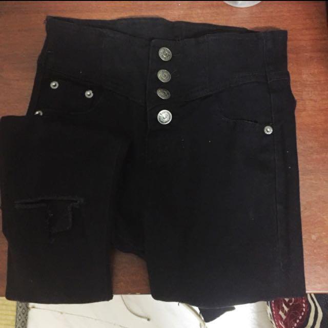 高腰破洞黑色牛仔褲