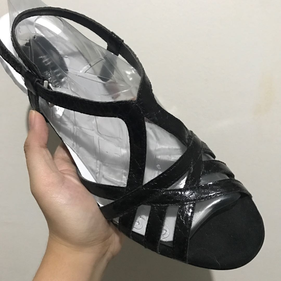 Aerosoles black heels