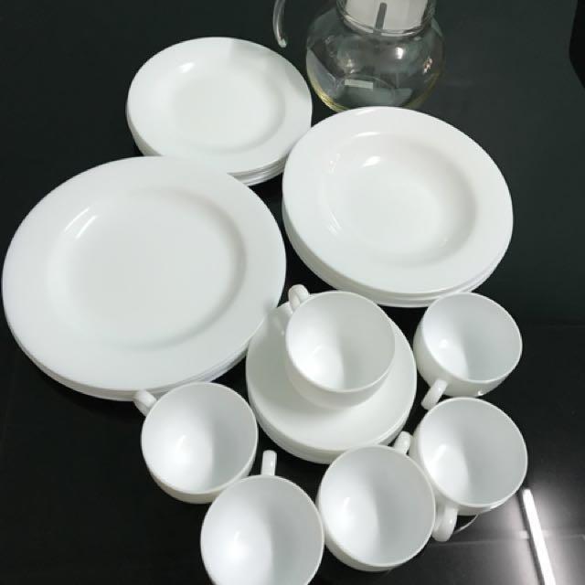 Arcopal dinnerware, Kitchen & Appliances on Carousell