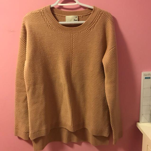Aritzia Isabelli Sweater in Roebuck Size Medium