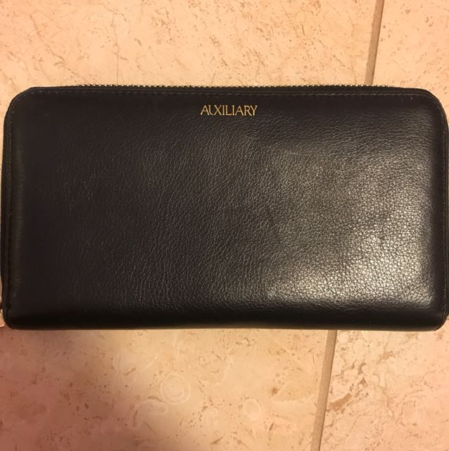Aritzia Leather Auxiliary Wallet