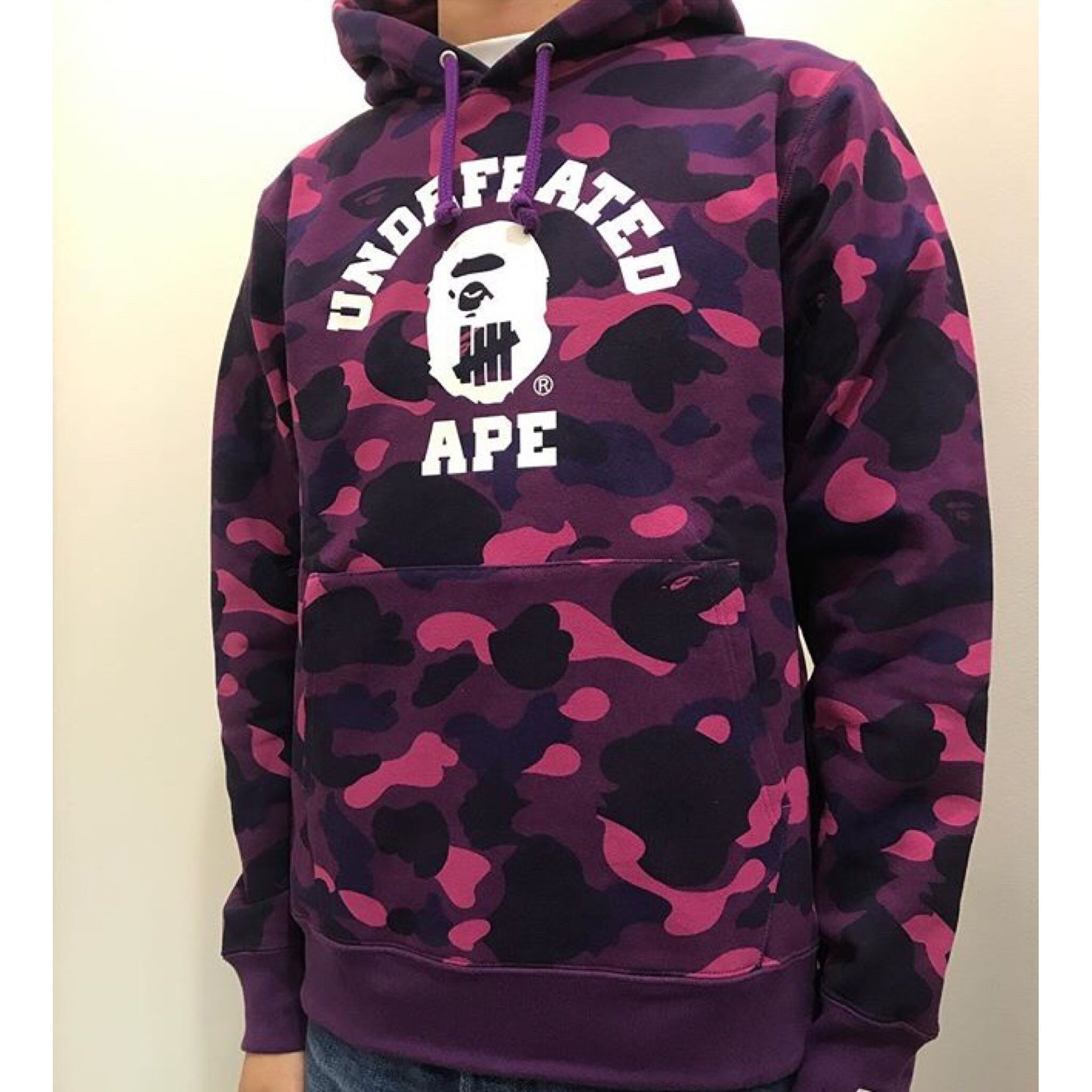 bed7ead9fa15 BAPE X UNDEFEATED ABC   COLOR CAMO COLLEGE PULLOVER HOODIE