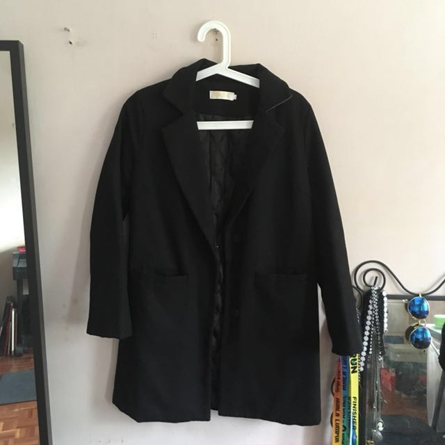 Black trench coat (reduced)
