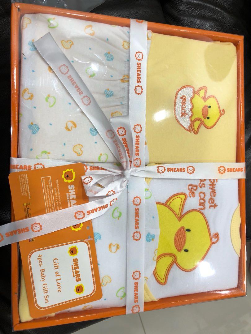 4ed0617c204d Brand new Shears baby gift set