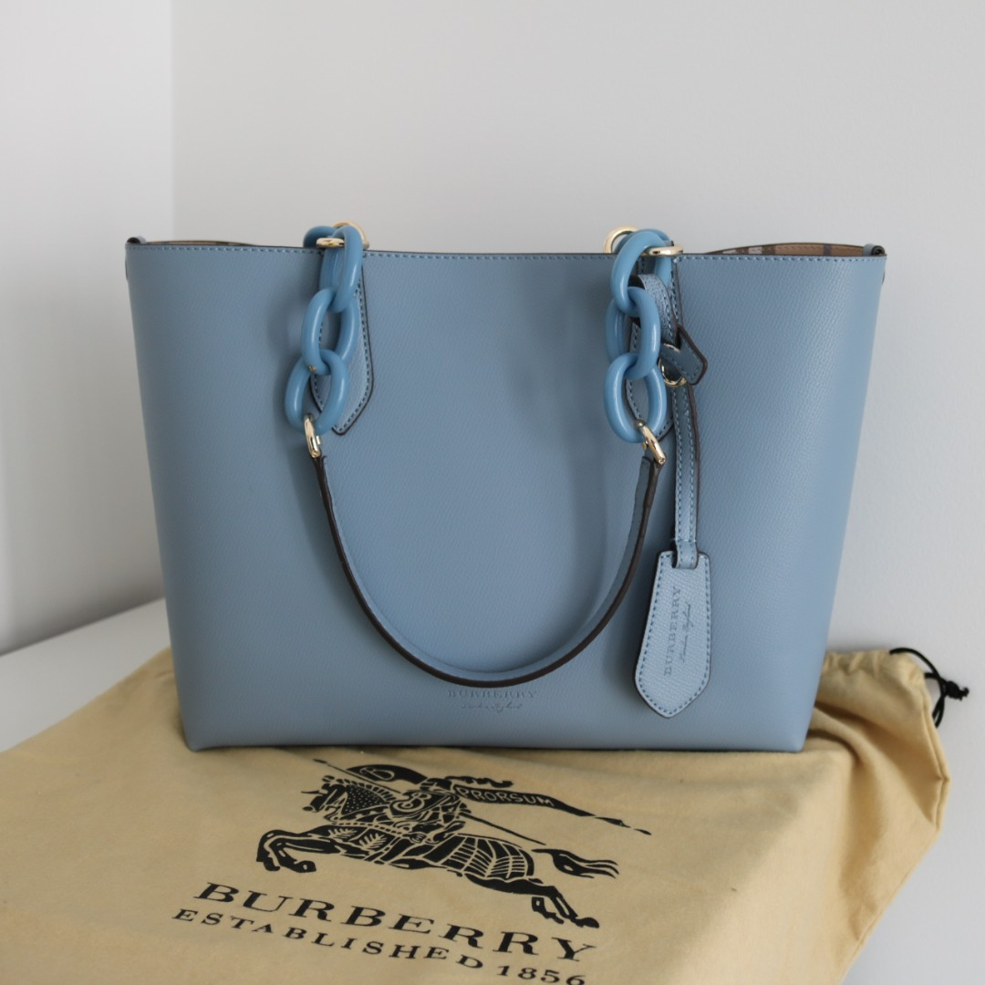 Burberry Lavenby reversible tote
