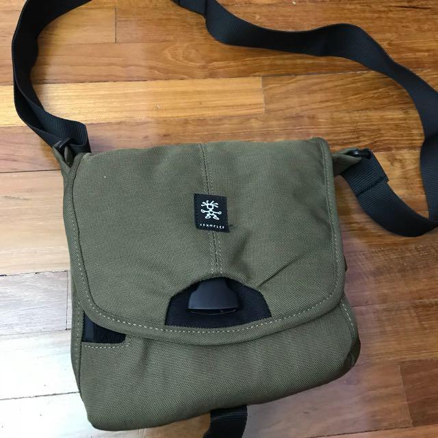 10c180b2da27 Crumpler Bag - 4 Million Dollar Home, Men's Fashion, Bags & Wallets ...