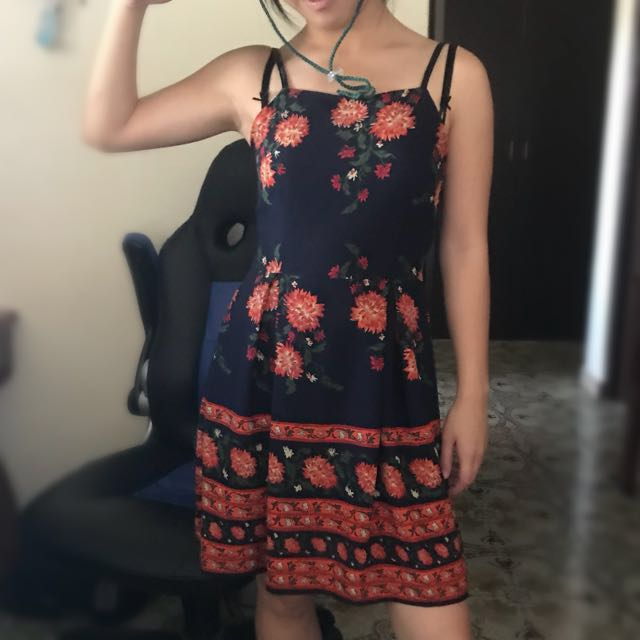 Floral dress (fitted)
