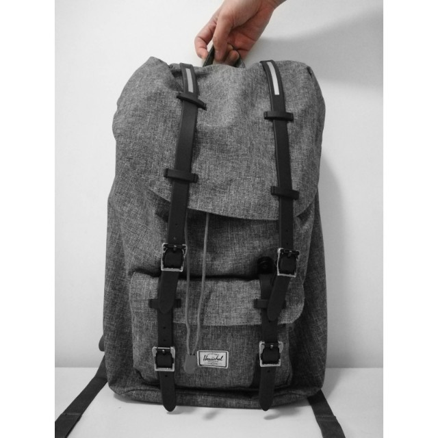 15f1ba704a3f RESERVED -  Herschel Little America Backpack Classic Size Full ...