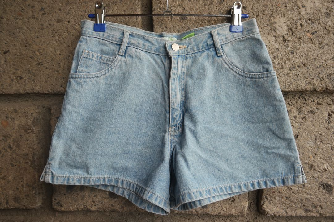 High-waisted Denim Shorts(1)