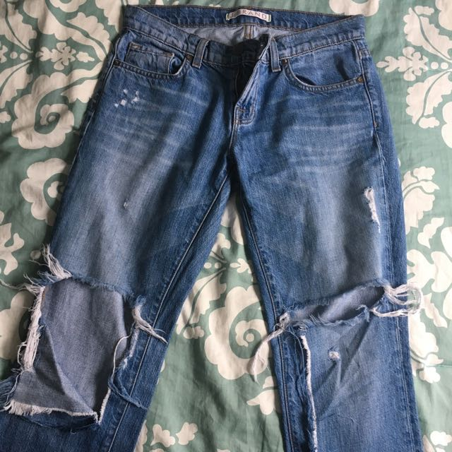 Jbrand ripped Mom jeans s26 $50