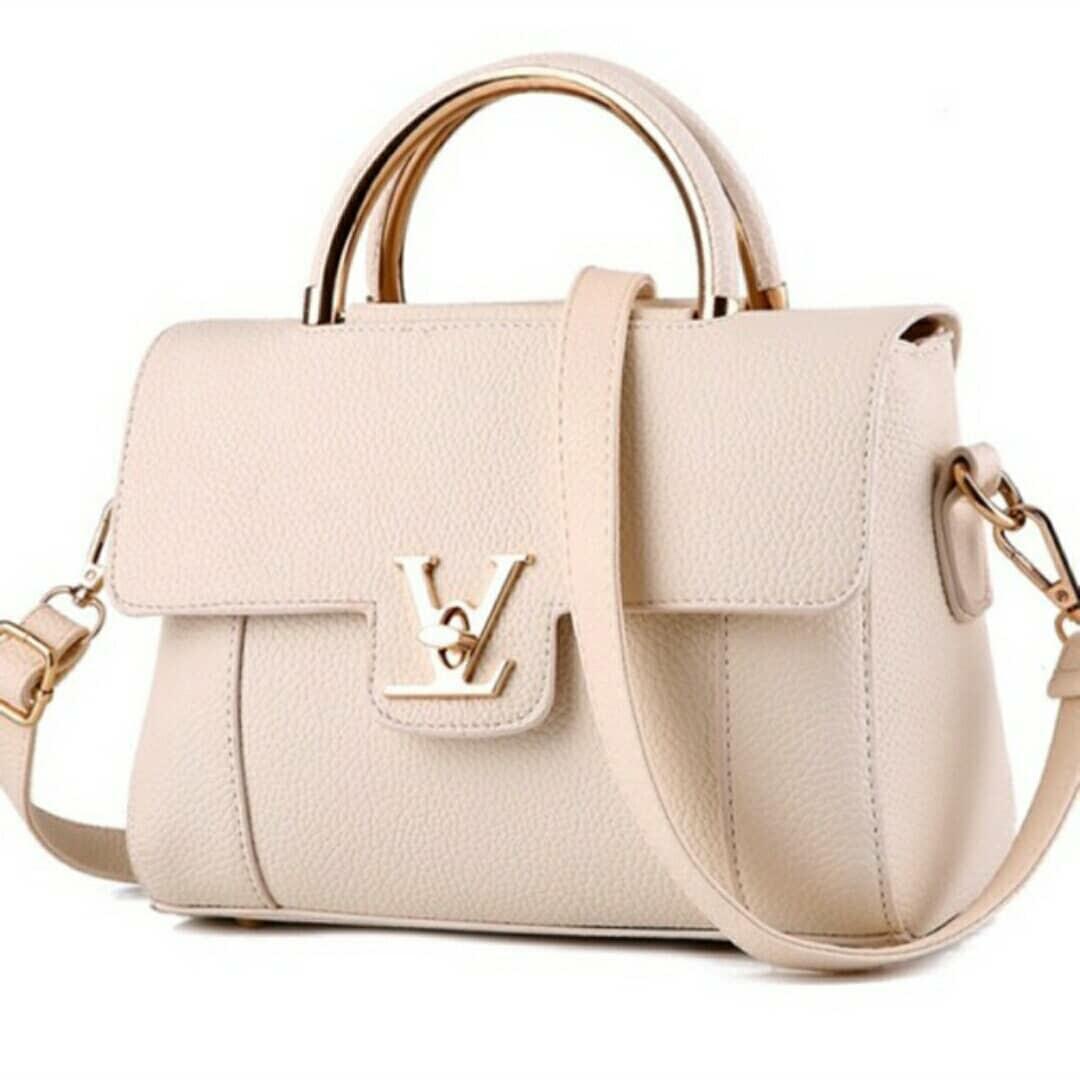 815ec8464fb1 LV Ladies Sling Bag