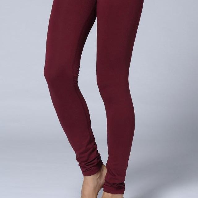 MINT Lululemon leggings maroon / burgundy