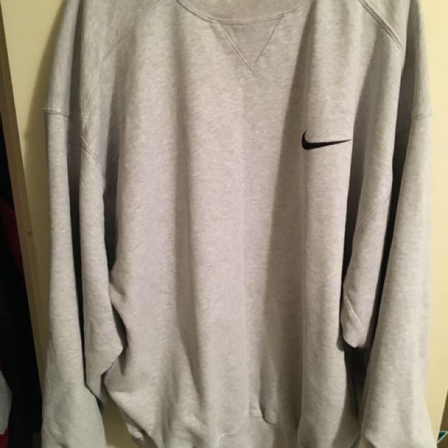 Nike vintage crew neck