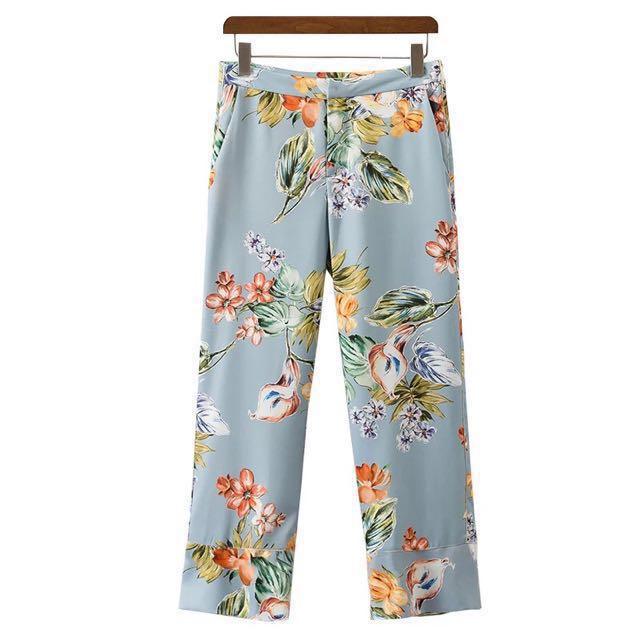 Ocean Tropical Floral Cropped Pants