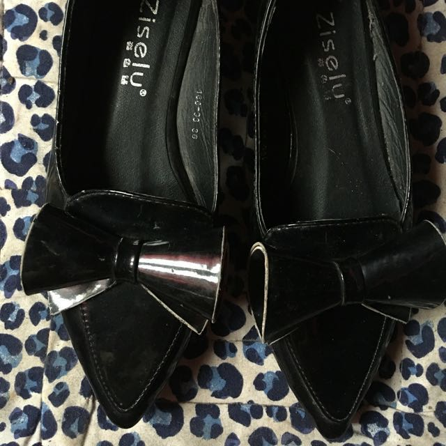 PRE LOVED BLACK POINTY SHOES
