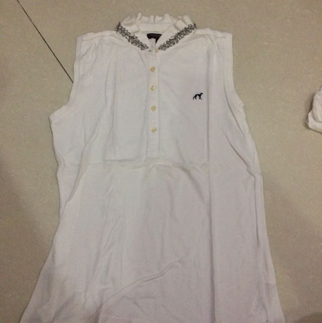 Sacoor brother white top