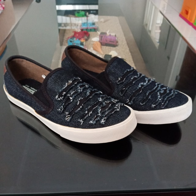 Sepatu Casual Jeans ( Free Ong )