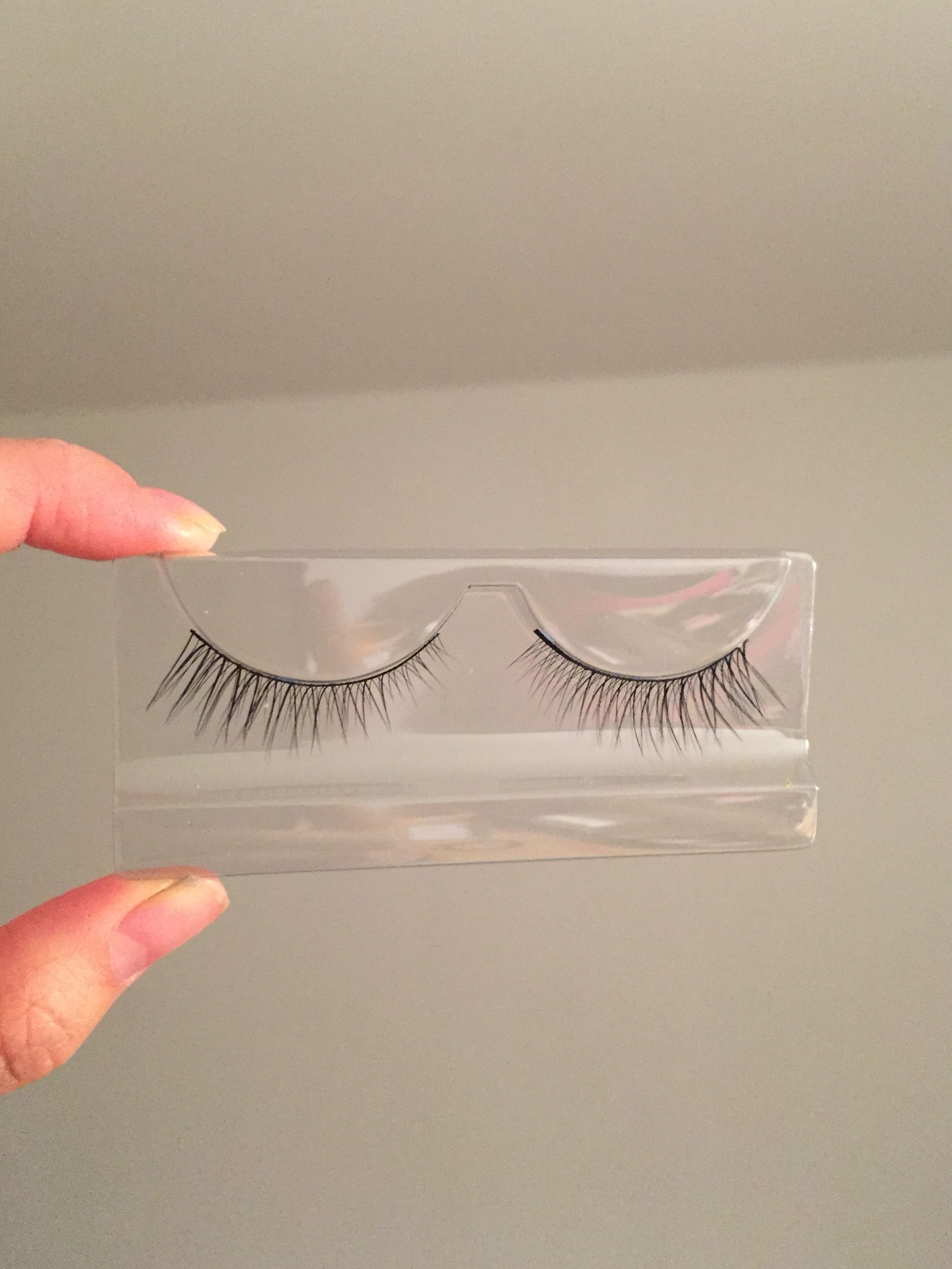 suuper cute fake eyelashes