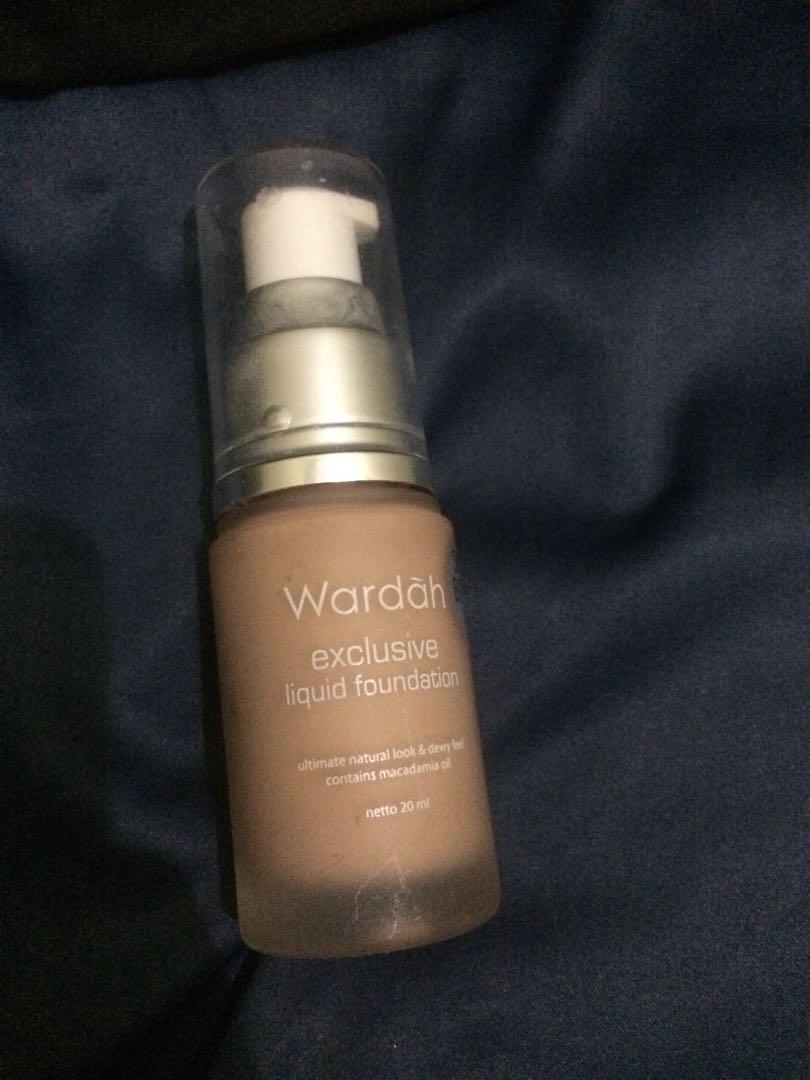 Wardah Exclusive Liquid Foundation No. 2 Sheer Pink