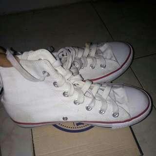 Sepatu Putih JUAL RUGI!!!!