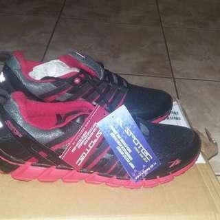 D07 Sepatu