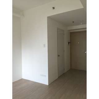 Studio Unit For Rent Shine Residences