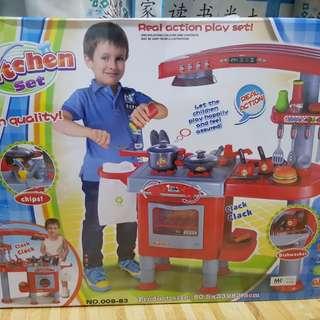 Brand new kitchen sets (80.5cm x 33cm x 82.5cm)