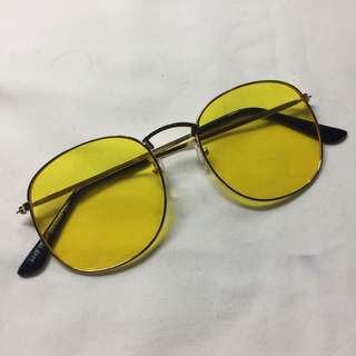 Sunnies (yellow lens)