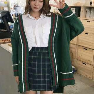 墨綠色寬鬆針織外套