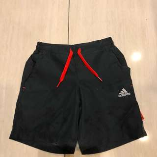 adidas兒童運動短褲