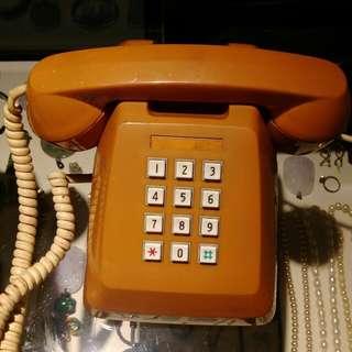 🚚 復古按健電話