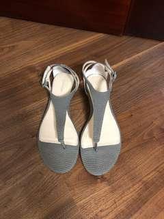 Calvin Klein 涼鞋