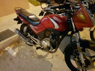 2b bike yamaha ybr for rent. As low as $15/day for monthly rental